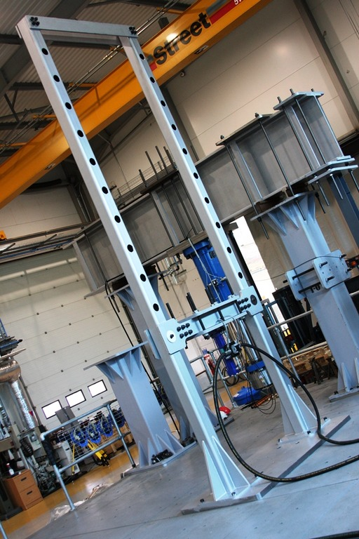 The bespoke five metre tall daylight test rig on the strong floor at the AMRC Advanced Structural Testing Centre.