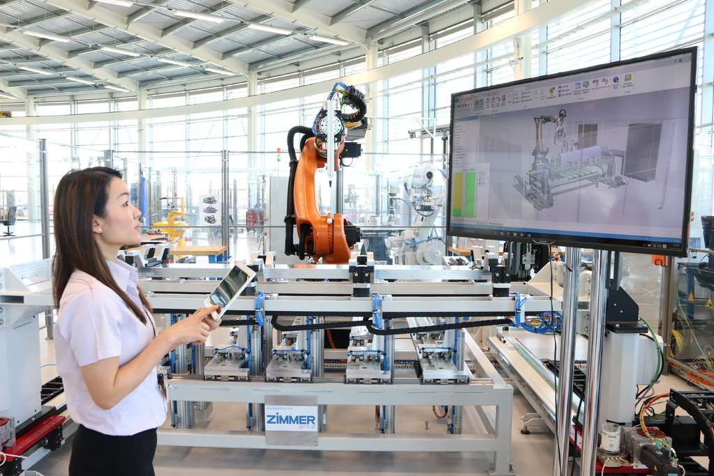 AMRC's Ruby Hughes creating a digital twin in the state-of-the-art Factory 2050.