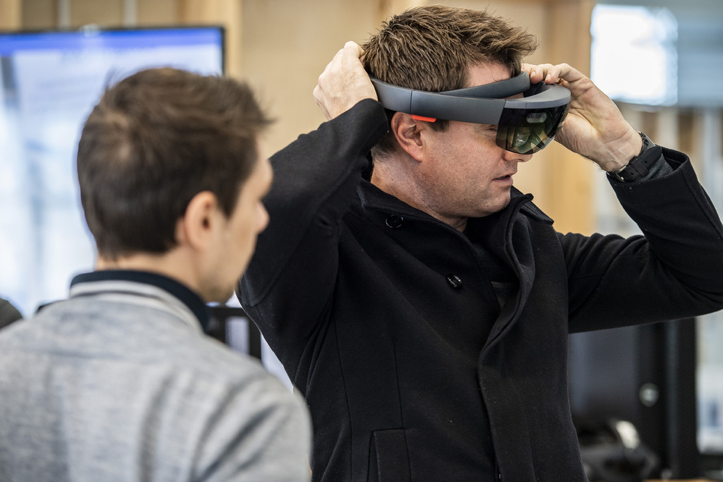 George Clarke tests out the AMRC's digital capabilities at Factory 2050.