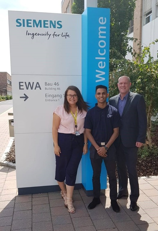 Sian Court, Managing Director of Siemens Congleton Junior Factory, Shivan Morkar, AMRC Training Centre Apprentice of the Year and Alan Norbury, Siemens Digital Industries Chief Technologist.