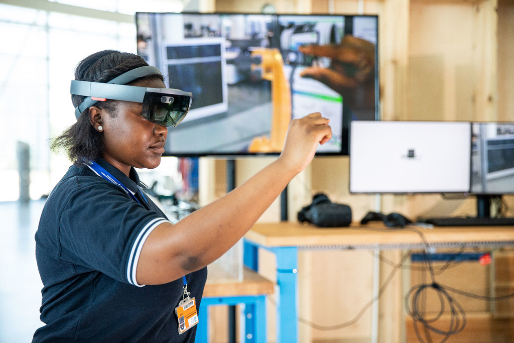The Digital Meet Manufacturing campaign is connecting digital and manufacturing together in a way that brings big benefits to both sectors.